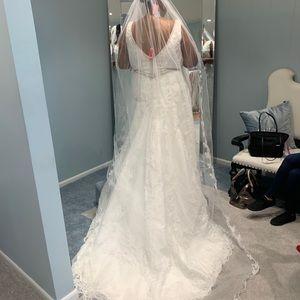 Wedding gown size 22